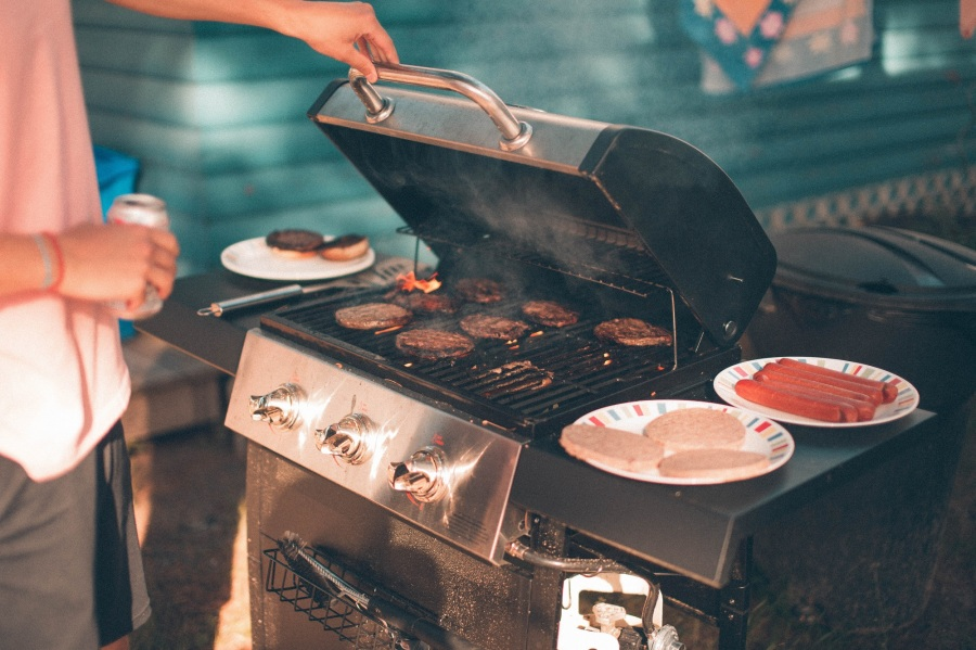 JavaScript's Apply, Call and Bind Explained By Hosting A Cookout